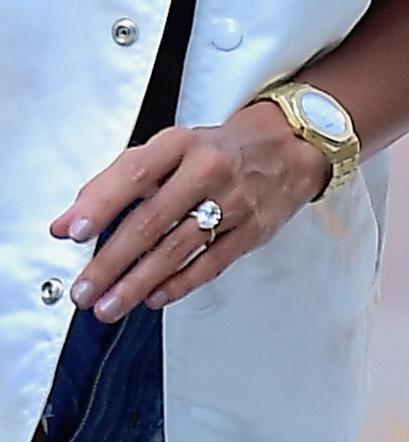 ed28c783b719cc Justin Bieber i Hailey Baldwin - Hailey pokazała pierścionek zaręczynowy