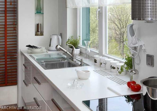 Wygodne Otwieranie Okna W Kuchni Co Umieścić Pod Oknem