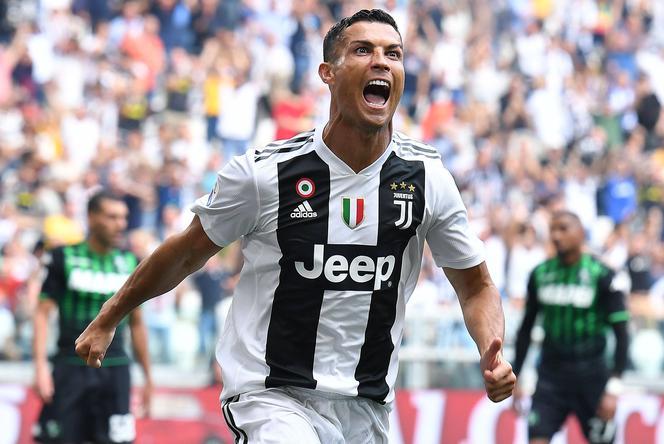 05c71ef97 Ronaldo idzie na wojnę z Niemcami Autor: AP Ronaldo idzie na wojnę z  Niemcami. Liga Mistrzów NA ŻYWO, mecz Manchester United - Juventus Turyn  LIVE.