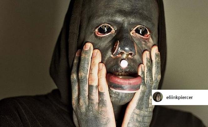 Popek Przy Nim Wymięka Facet Ma Tatuaże Na Oczach I Całym