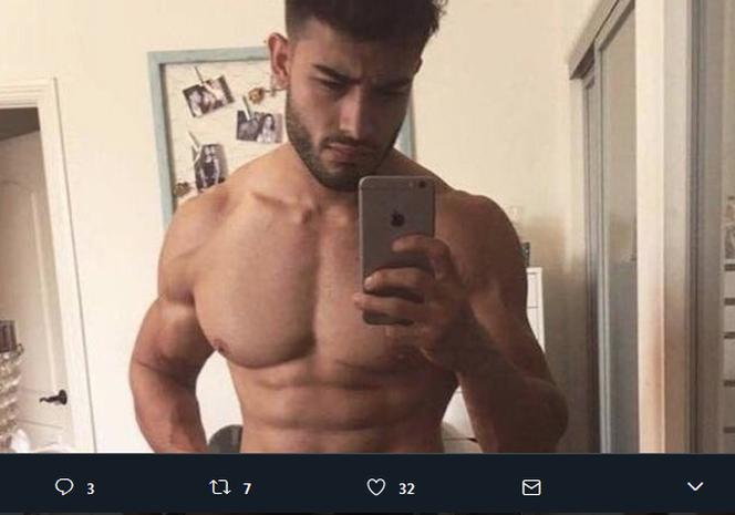 pokazał jego penisa