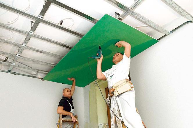 Czy warto zainwestować w sufit podwieszany?