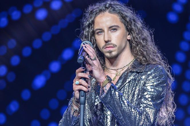Michał Szpak śpiewa bez muzyki! CIARKI gwarantowane! [VIDEO]