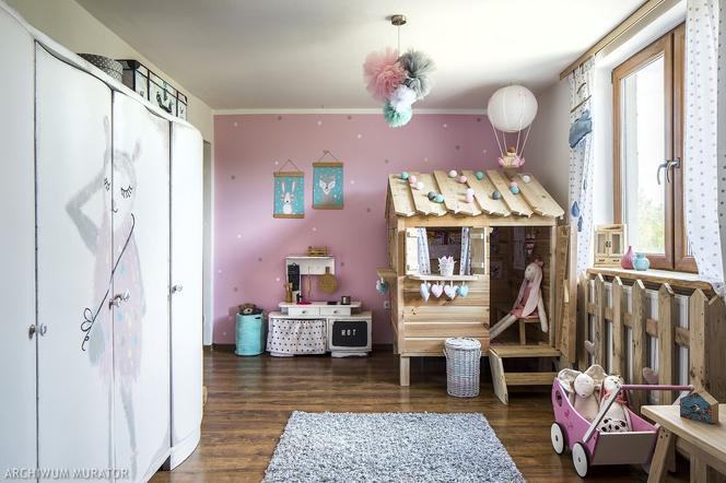 pok j dla dziewczynki nie musi by r owy aran acje 16 inspiracji na pokoje dziewczynek. Black Bedroom Furniture Sets. Home Design Ideas