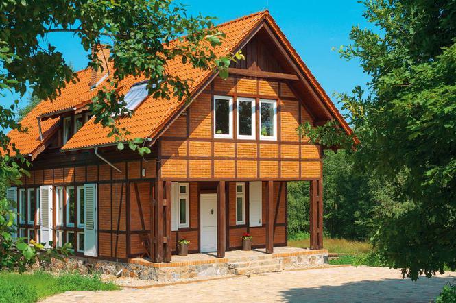 Dom Z Czerwonym Dachem W Technologii Muru Pruskiego Prezentacja