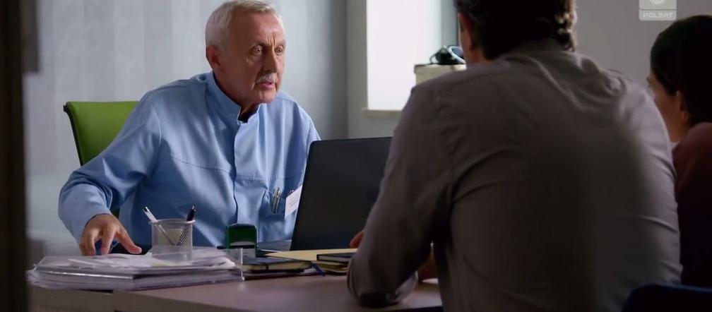 Szok W Serialu Przyjaciolki Lekarz Zuzy To Dziadek Z Reklamy Allegro Zdjecia Super Express