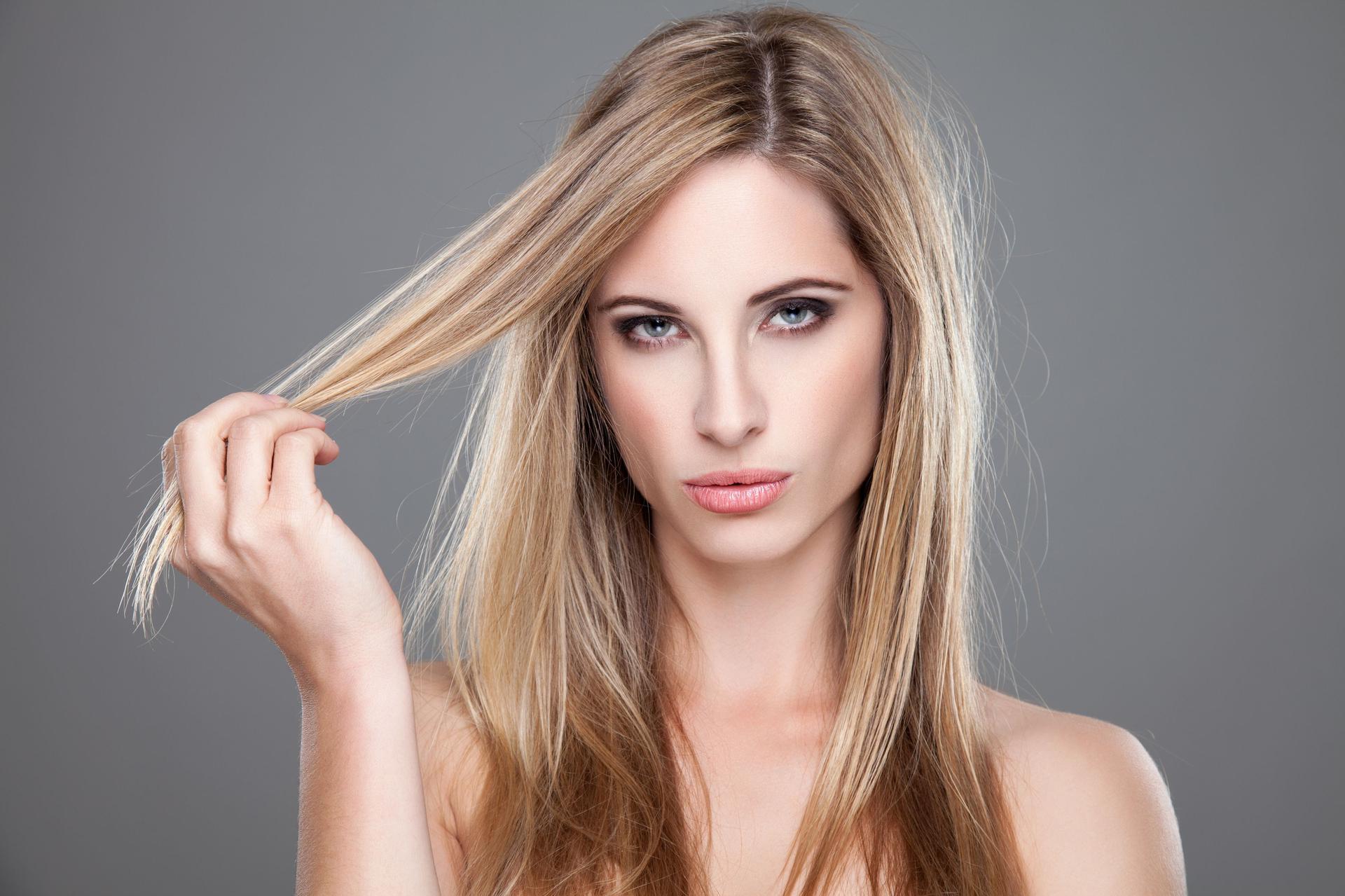 Refleksy Na Włosach Jak Je Zrobić Refleksy A Pasemka