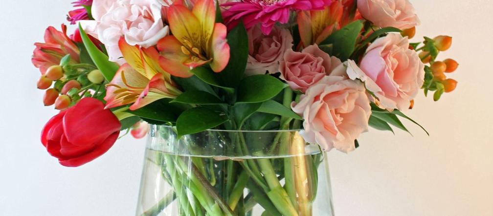 Kwiaty W Wazonie Co Zrobic Aby Dluzej Staly Sposoby Na Przedluzenie Swiezosci Cietych Kwiatow Murator Pl