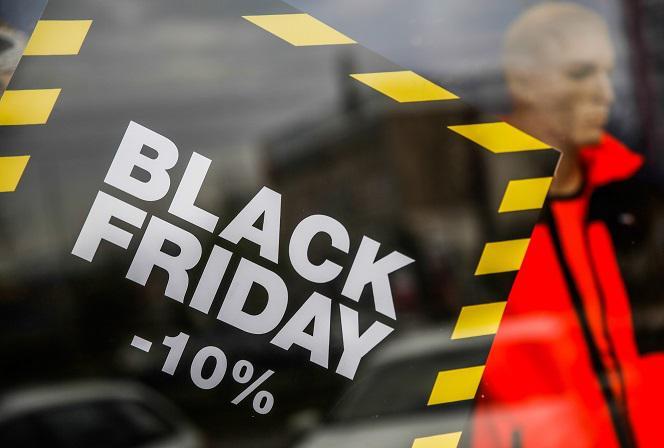 ef4eaf433302ad Czarny piątek 2018 - PROMOCJE w sklepach na black friday [LISTA ...