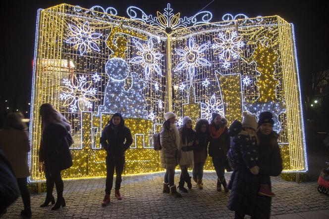 Rozbłysła Iluminacja świąteczna Zobacz Jak Pięknie Wygląda Warszawa