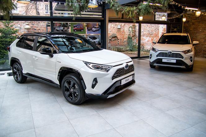 2019 Toyota Rav4 Pelny Cennik I Wyposazenie Piatej Generacji Suv A