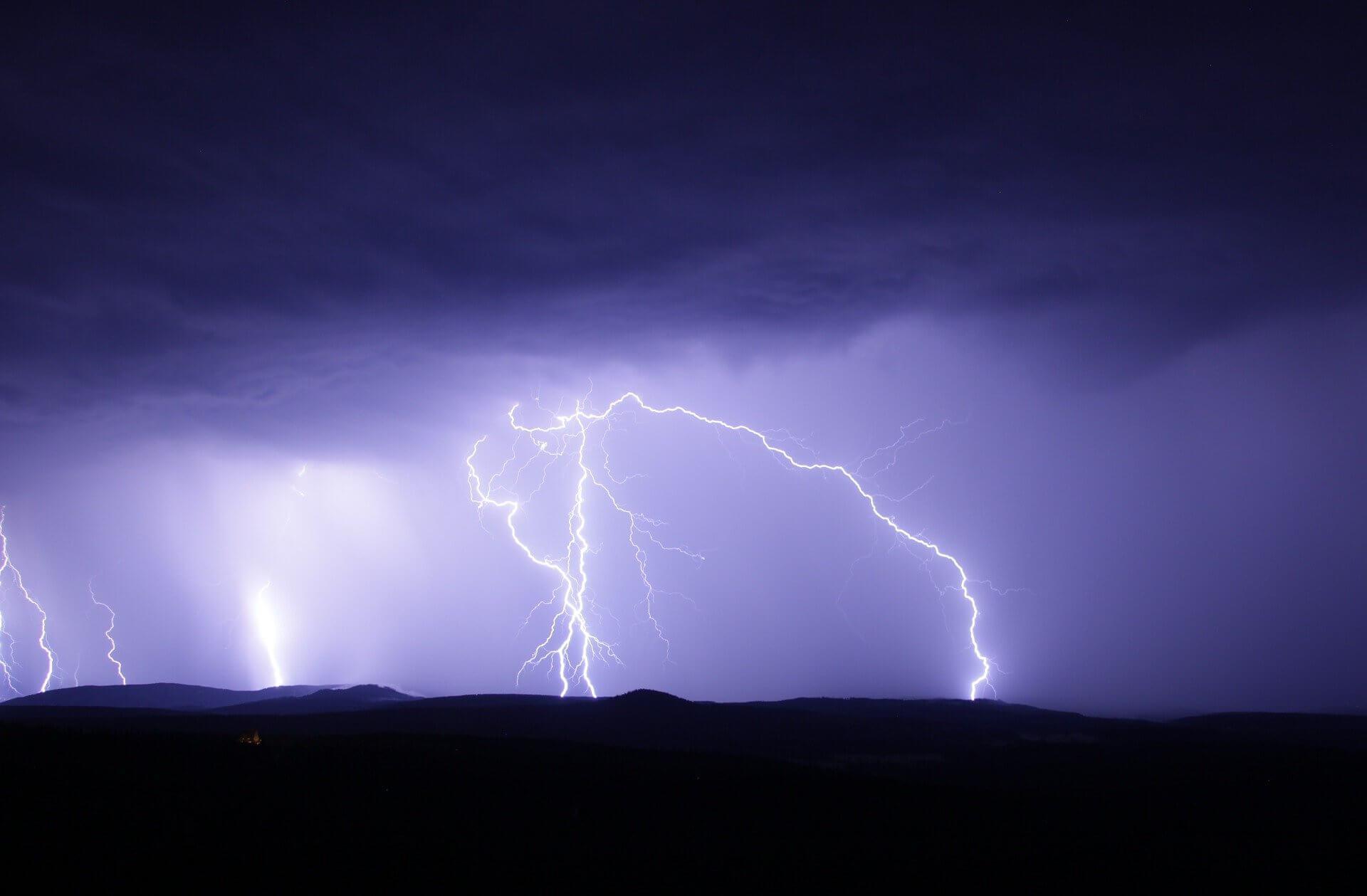 Radar burz online. IMGW wydało ostrzeżenie dla Podlasia. Sprawdź, gdzie jest burza - ESKA.pl