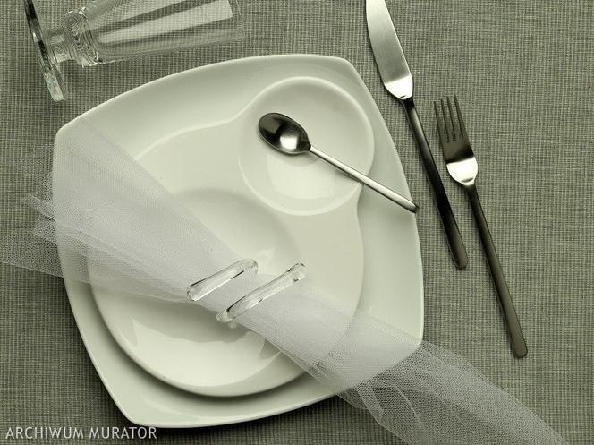 6df69e242a Dekoracje komunijne na stół  dekoracja stołu na komunię - Mjakmama.pl