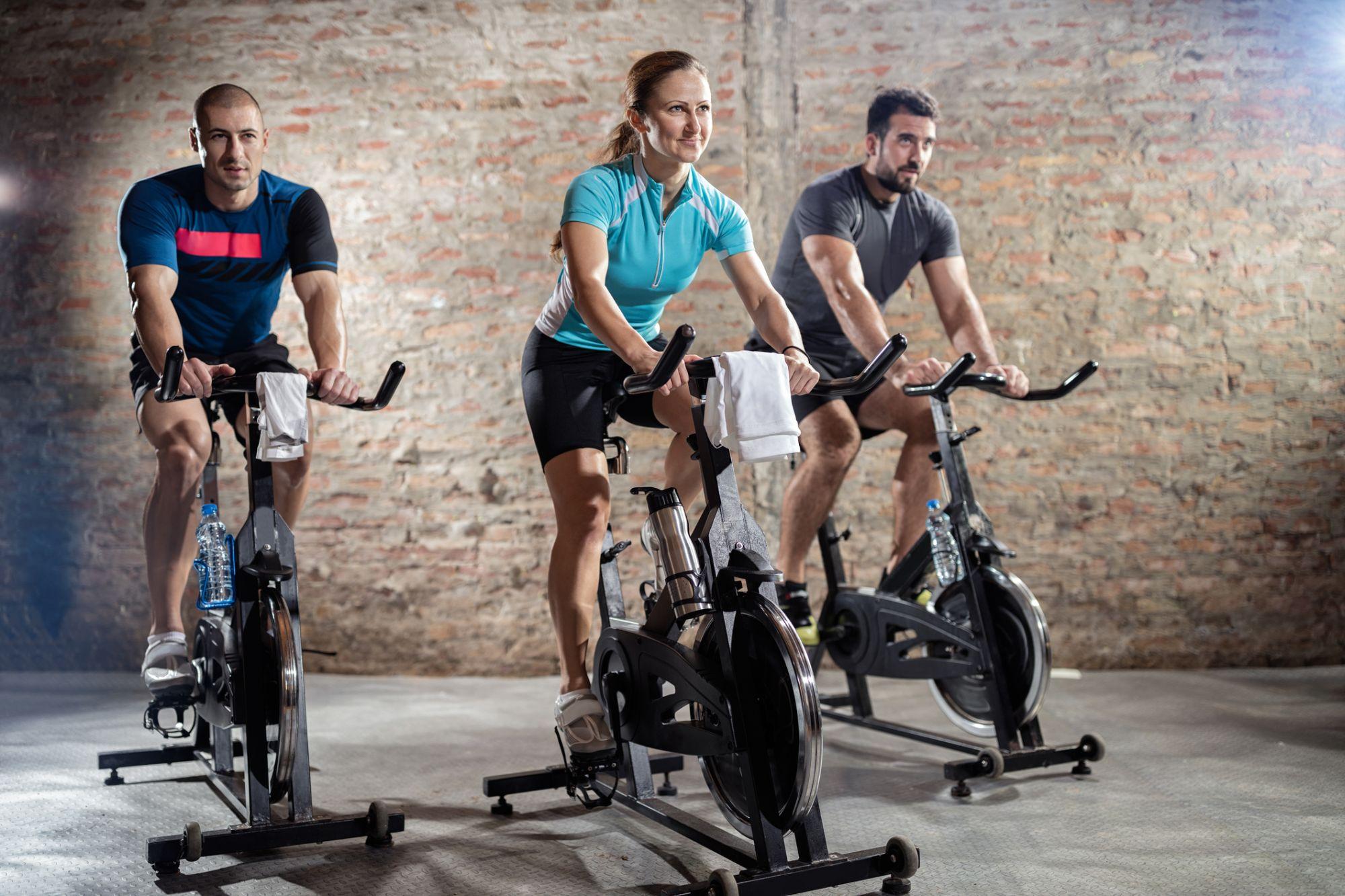 Spinning Czyli ćwiczenia Na Rowerze Stacjonarnym Wformie24pl