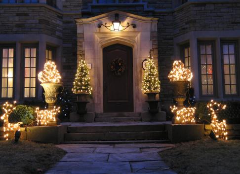 świąteczne Oświetlenie Domu Na Zewnątrz Na Co Zwrócić Uwagę Przy