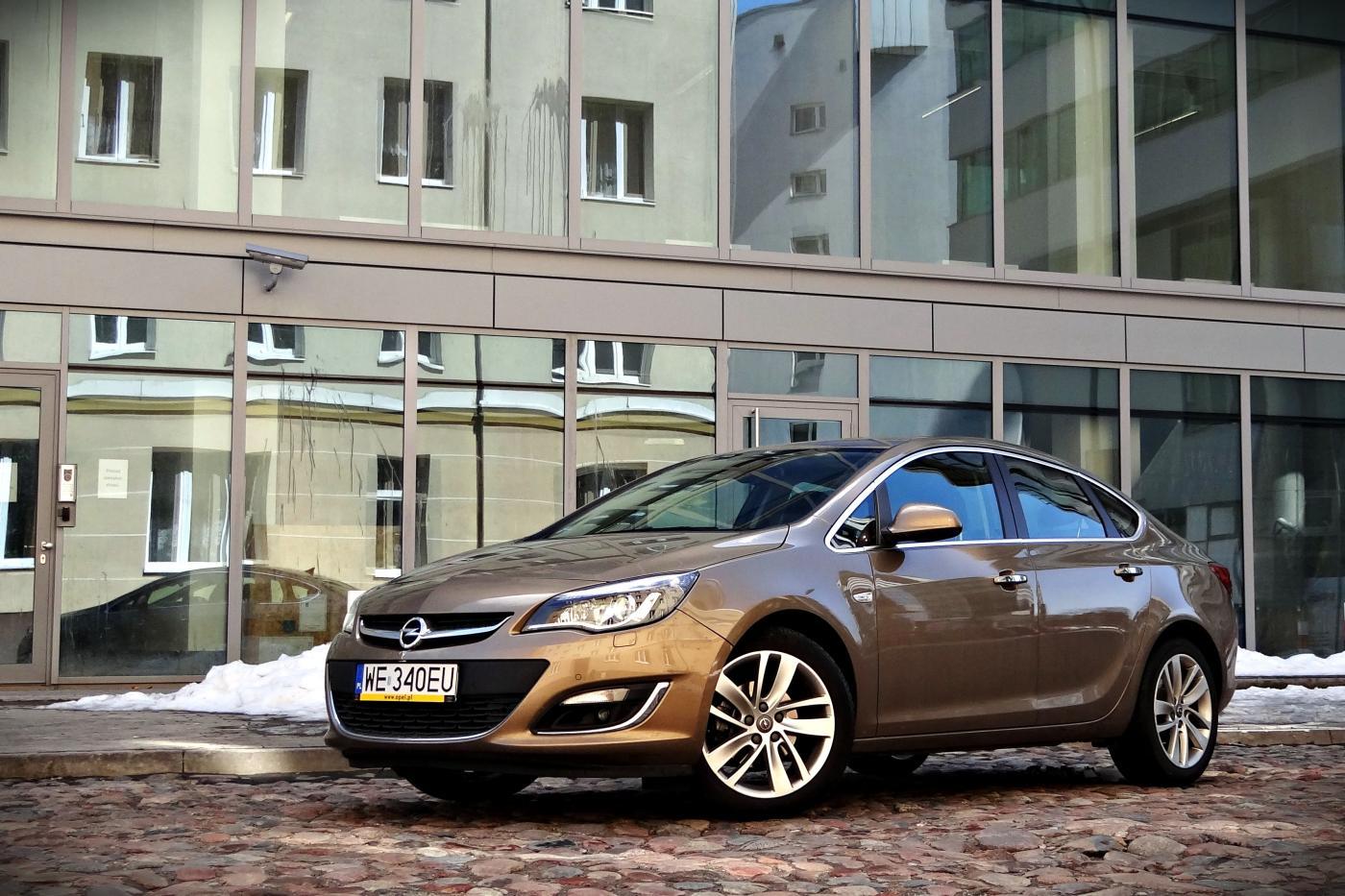 Opel Astra Sedan 17 Cdti Test Opinie Zdjęcia Dziennik Dzień 1