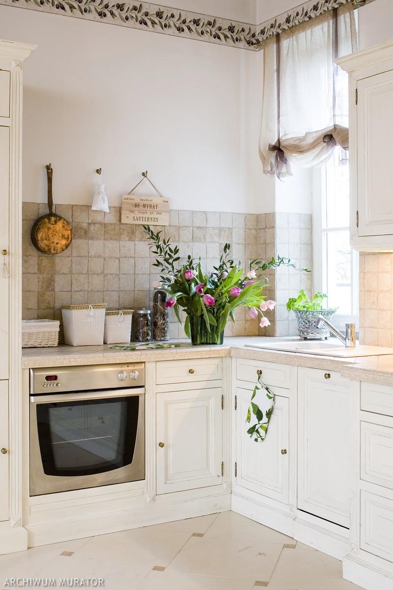 Kuchnia Prowansalska Piękna Aranżacja Białej Kuchni W