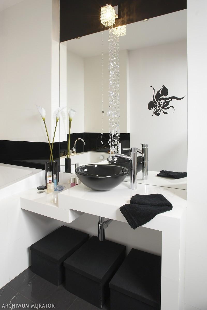 Aranżacja Biało Czarnej łazienki Pomysł Na Nowoczesne I