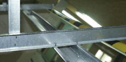 Metalowe Konstrukcje Sufitow Angielski System Profili Metalowych