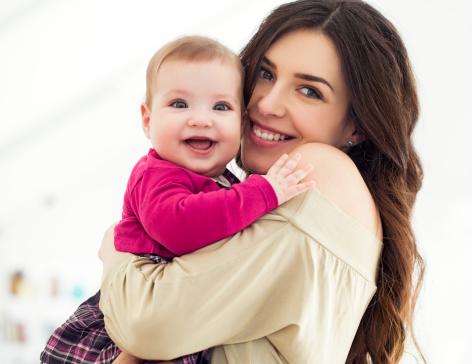 Cena hurtowa przed Sprzedaż dla całej rodziny Noszenie dziecka: jak długo nosić dziecko na rękach? Jak je ...